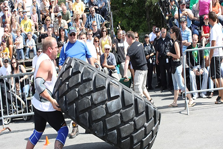 Festival sportif de Saint-Albert - Strong man competition