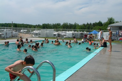 Camping domaine du lac cristal saint rosaire h bergement for Camping a quebec avec piscine